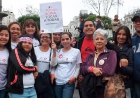 Marcha contra la violencia de género reunió a miles de personas en Perú