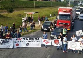 Nova manifestação contra a BRF tem bloqueio de rodovia em São Paulo